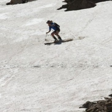 Nick making turns on the Headwall of Sac.