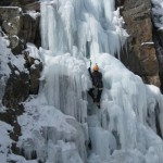 ouray-ice-climbing-julie-through-chute-south-park-lg.jpg
